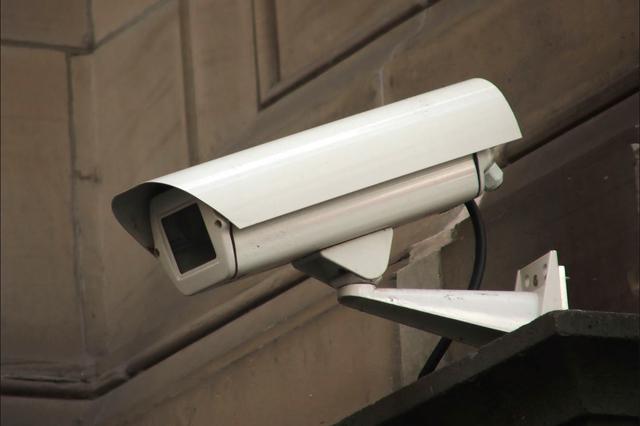 муляж уличной видеокамеры фото