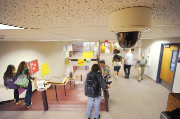 Видеокамеры установленные в школе