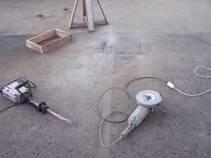 Подготовка к монтажным работам по установки столба для домофона и шлагбаума