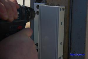 установка электромагнитного замка на металлическую дверь калитки