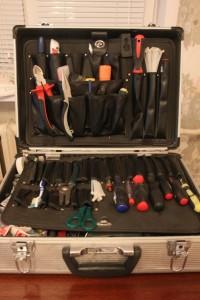 чемодан с ручным интрументом для слаботочника