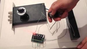 проверка электромеханического замка на работоспособность перед монтажом