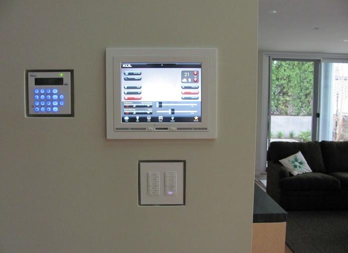 Беспроводной монитор для управления климатом дома